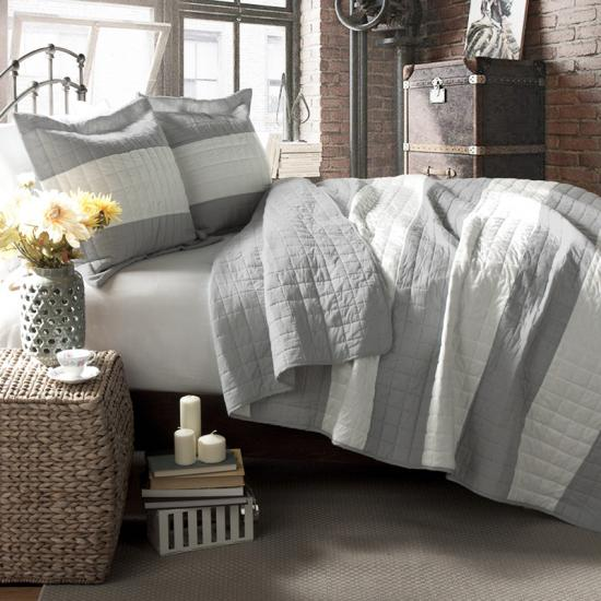 Reversible joint two tone color embroidery bedspread
